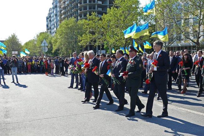 Николаевских ветеранов поздравили с Днем Победы: ярко и с размахом (ФОТО+ВИДЕО) (фото) - фото 21