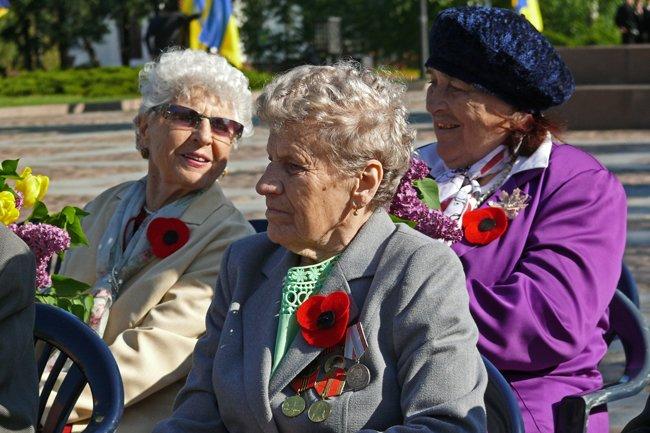 Николаевских ветеранов поздравили с Днем Победы: ярко и с размахом (ФОТО+ВИДЕО) (фото) - фото 13
