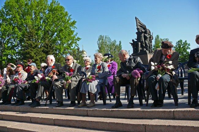 Николаевских ветеранов поздравили с Днем Победы: ярко и с размахом (ФОТО+ВИДЕО) (фото) - фото 14
