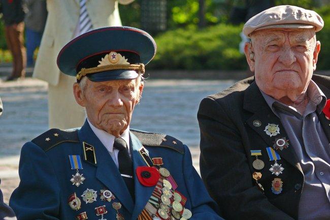 Николаевских ветеранов поздравили с Днем Победы: ярко и с размахом (ФОТО+ВИДЕО) (фото) - фото 11