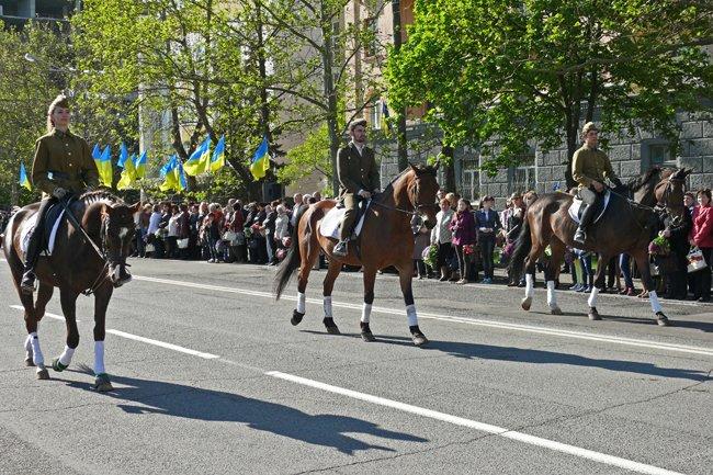 Николаевских ветеранов поздравили с Днем Победы: ярко и с размахом (ФОТО+ВИДЕО) (фото) - фото 18