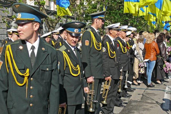 Николаевских ветеранов поздравили с Днем Победы: ярко и с размахом (ФОТО+ВИДЕО) (фото) - фото 16