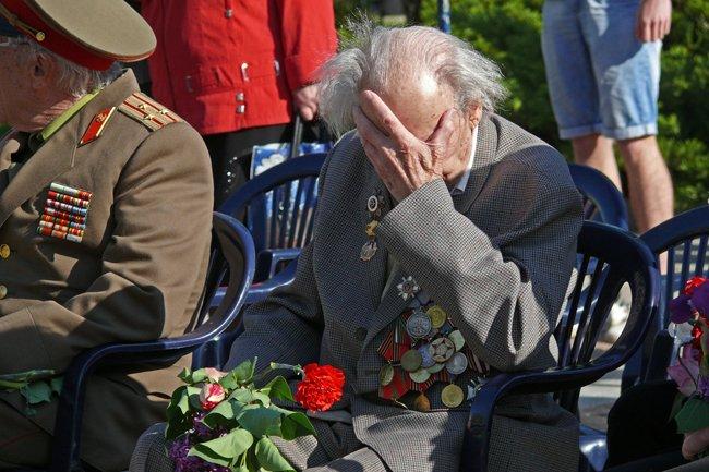 Николаевских ветеранов поздравили с Днем Победы: ярко и с размахом (ФОТО+ВИДЕО) (фото) - фото 9