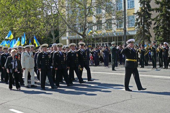 Николаевских ветеранов поздравили с Днем Победы: ярко и с размахом (ФОТО+ВИДЕО) (фото) - фото 28