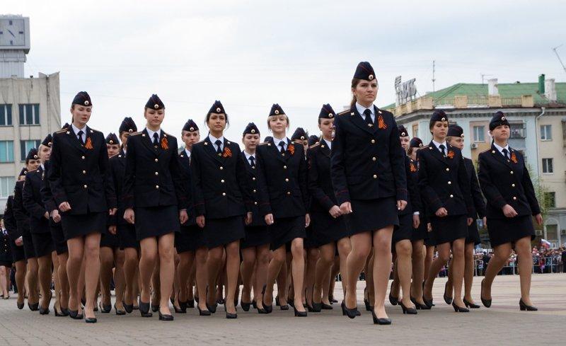 Парад Победы в Белгороде собрал тысячи горожан (фото) - фото 1