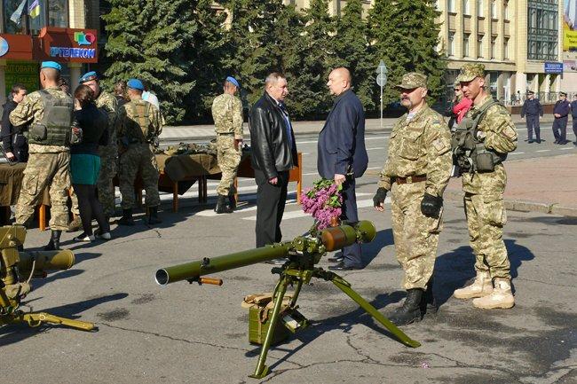 Николаевцам показали военную технику и разрешили прицелиться (ФОТОРЕПОРТАЖ) (фото) - фото 7