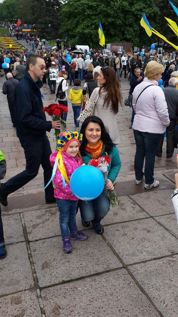 День Победы в Днепропетровске: мало ветеранов, много милиции, молодежи и детей (ФОТО) (фото) - фото 8