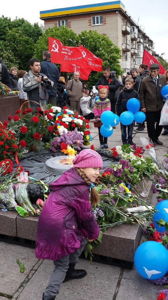 День Победы в Днепропетровске: мало ветеранов, много милиции, молодежи и детей (ФОТО) (фото) - фото 14