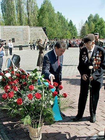 Усть-Каменогорцы почтили память павших в Великой Отечественной войне, фото-3