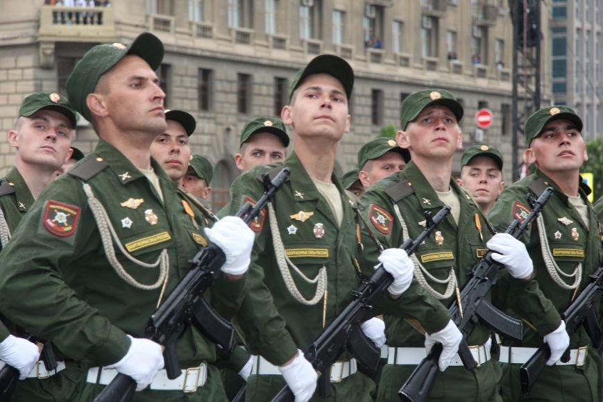 В Волгограде прошел Парад Победы, фото-7