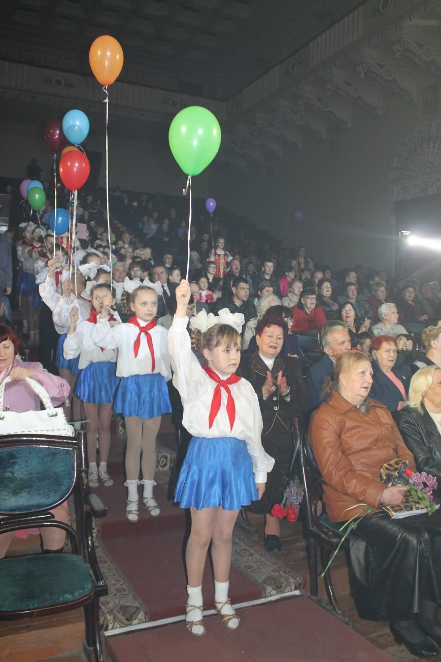 Макеевские металлурги поздравили ветеранов (фото) - фото 2