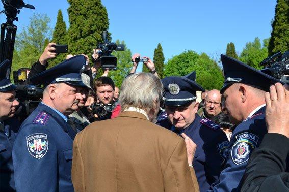 Як у Львові відзначили 9 травня (ФОТОРЕПОРТАЖ) (фото) - фото 2