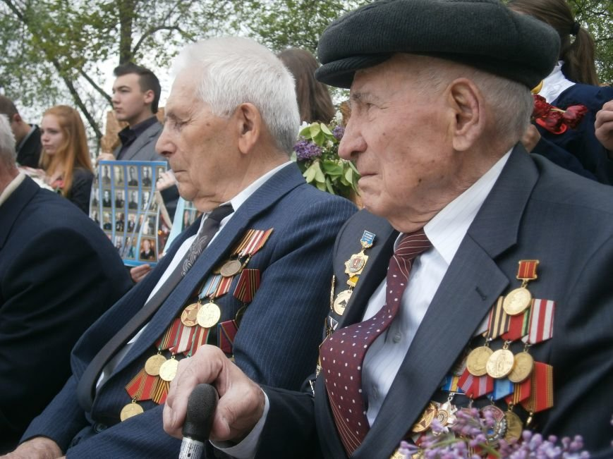 В Димитрове 70-летие Победы отпраздновали митингом, полевой кухней и концертом (ОБНОВЛЕНО) (фото) - фото 67