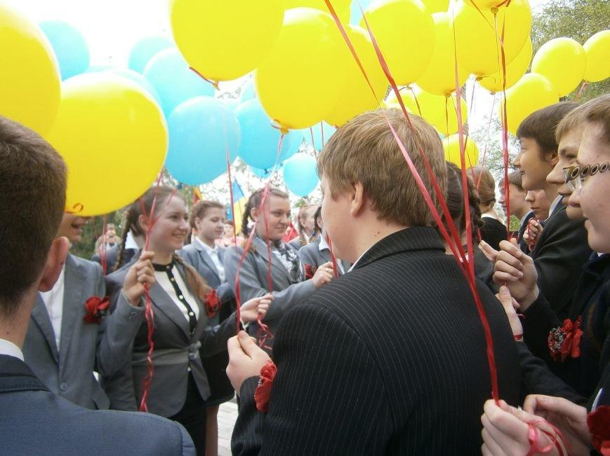 В Димитрове 70-летие Победы отпраздновали митингом, полевой кухней и концертом (ОБНОВЛЕНО) (фото) - фото 78