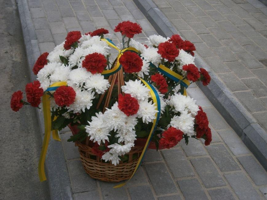В Димитрове 70-летие Победы отпраздновали митингом, полевой кухней и концертом (ОБНОВЛЕНО) (фото) - фото 46