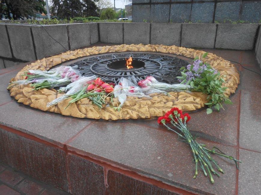 Днепродзержинск отмечает 70-ю годовщину Победы над нацизмом (фото) - фото 5