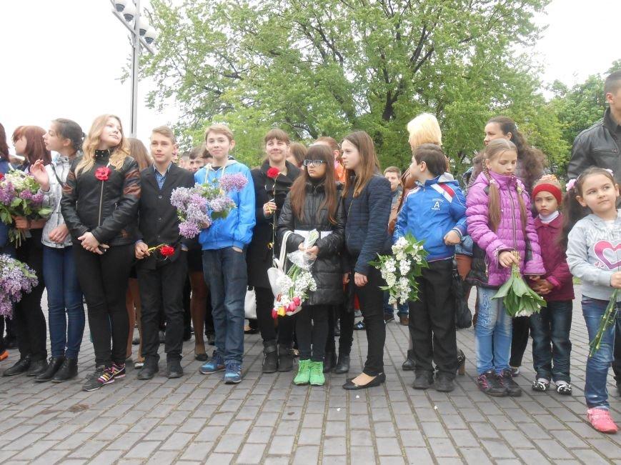 Днепродзержинск отмечает 70-ю годовщину Победы над нацизмом (фото) - фото 7