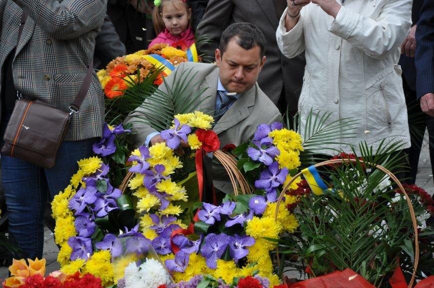 В Краматорске в сквере Героев у Вечного огня состоялся митинг, фото-27