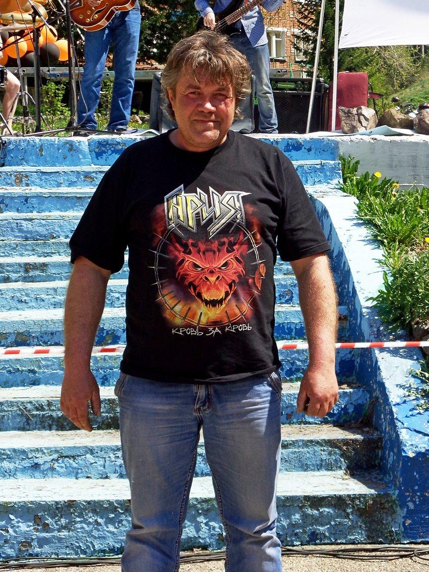 Станислав Хмелев