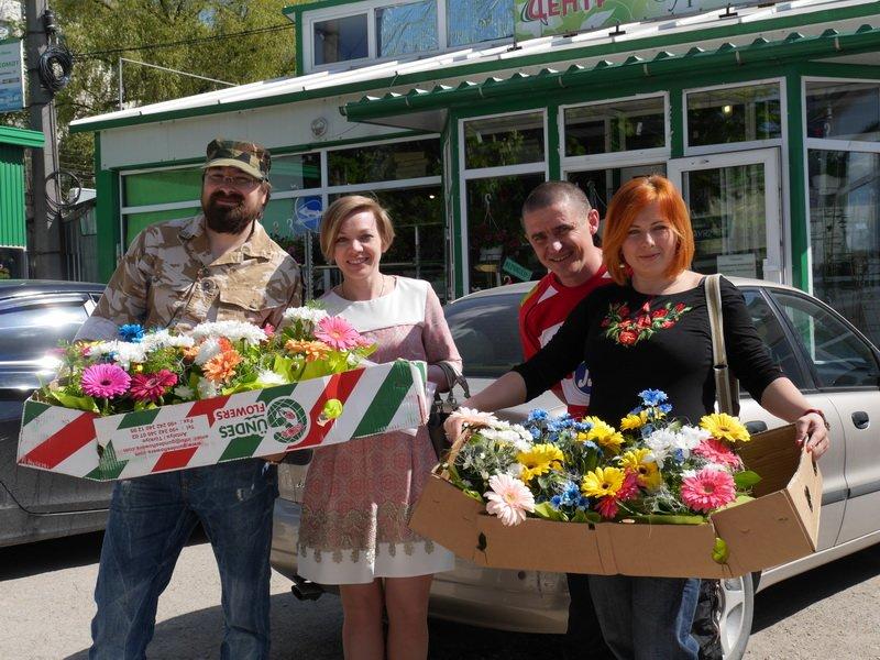 Матерів тернопільських бійців привітали із сьогоднішнім святом (ФОТО) (фото) - фото 1