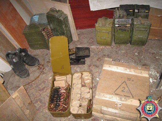 В Красноармейске обнаружен склад оружия: 6 гранатометов, 38 гранаи и 12 тыс. патронов (ФОТО) (фото) - фото 9