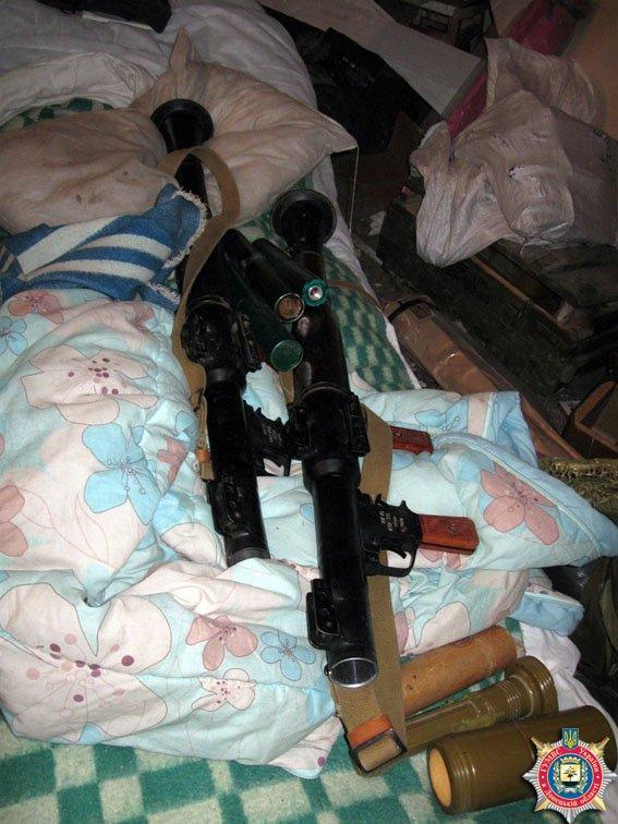В Красноармейске обнаружен склад оружия: 6 гранатометов, 38 гранаи и 12 тыс. патронов (ФОТО) (фото) - фото 3