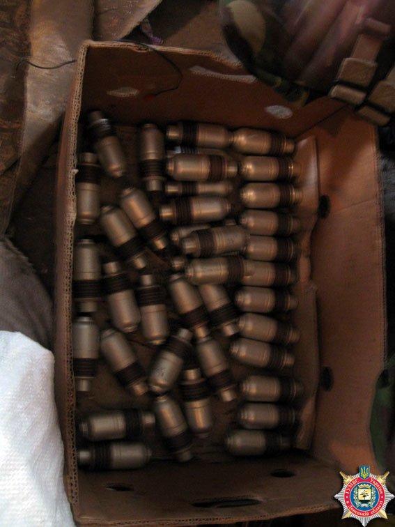 В Красноармейске обнаружен склад оружия: 6 гранатометов, 38 гранаи и 12 тыс. патронов (ФОТО) (фото) - фото 7