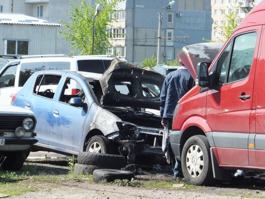 В Кировограде рано утром полностью сгорели три автомобиля. ФОТО (фото) - фото 1