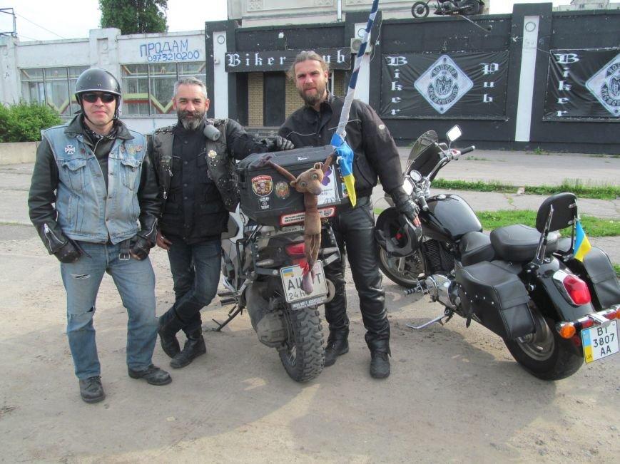 Через Кременчуг проезжал легендарный байкер - украинский патриот с неукраинским именем (ФОТО), фото-1