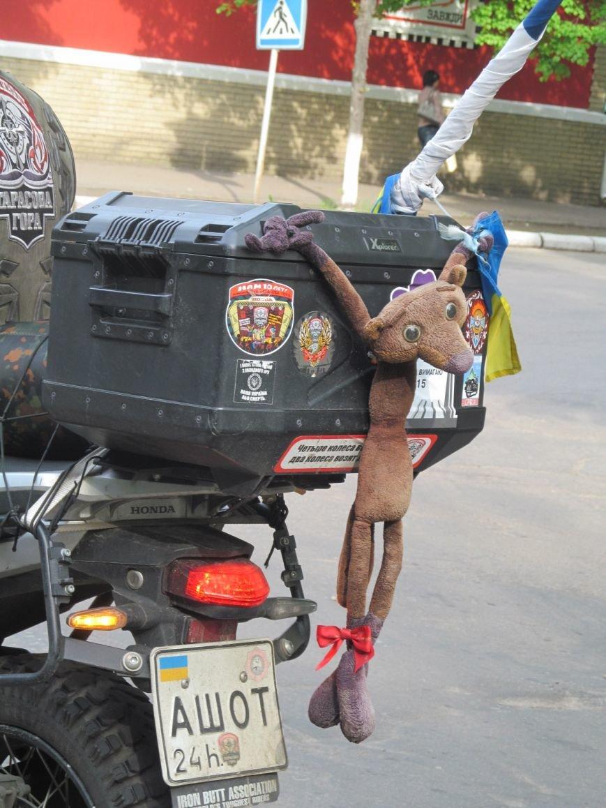Через Кременчуг проезжал легендарный байкер - украинский патриот с неукраинским именем (ФОТО), фото-4