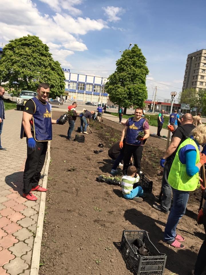 «Сумчане» высадили 300 кустов роз (ФОТО), фото-2