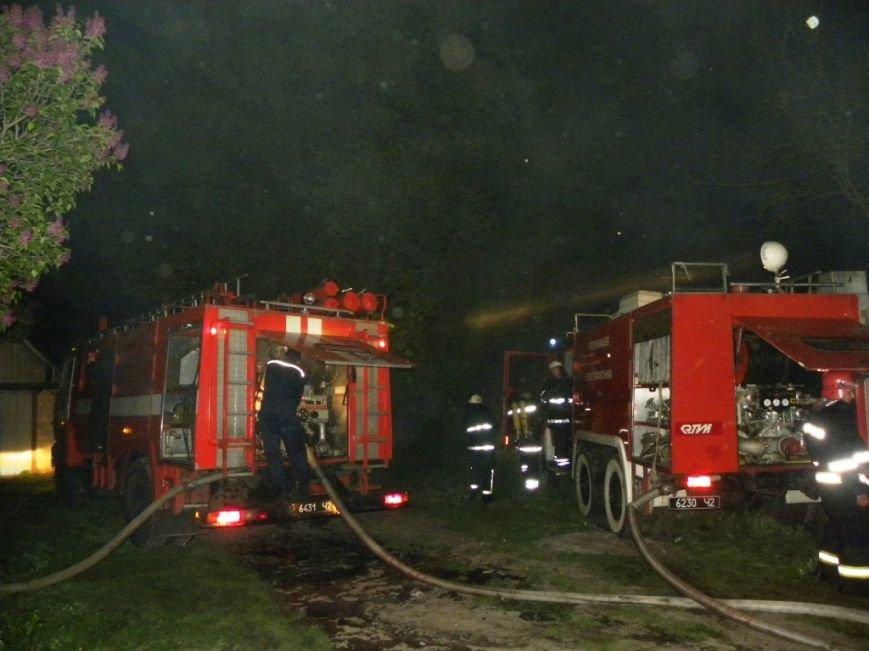 Пироманы устроили два поджога в Чернигове (фото) - фото 1