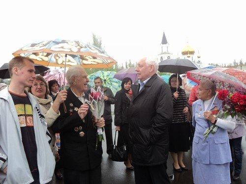 В Авдеевке поздравили ветеранов с Днем Победы (ФОТО) (фото) - фото 3