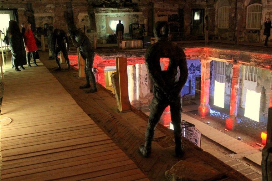 В Петербурге открылась посвященная человеческим порокам выставка (фото) - фото 1