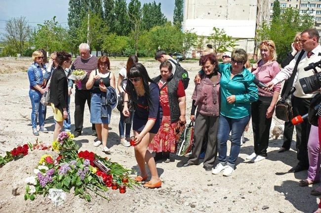 Николаевцы почтили память погибших при взрыве в многоэтажке на Намыве (ФОТО) (фото) - фото 2