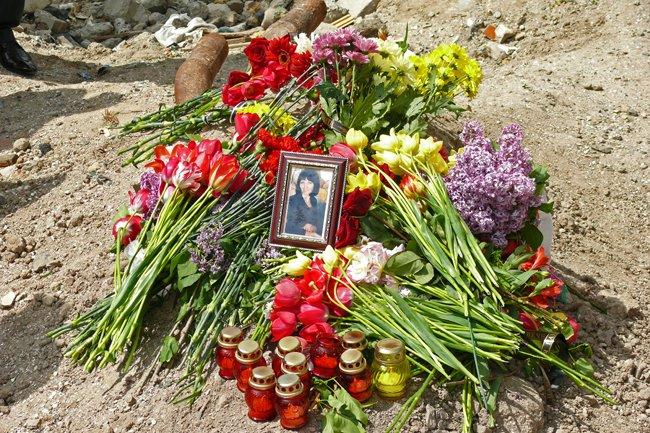 Николаевцы почтили память погибших при взрыве в многоэтажке на Намыве (ФОТО) (фото) - фото 13