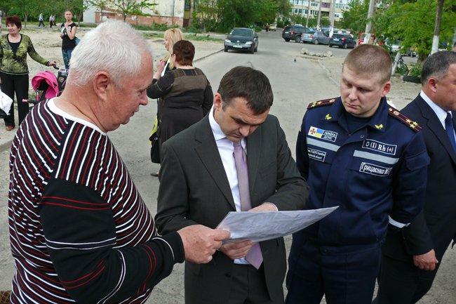 Николаевцы почтили память погибших при взрыве в многоэтажке на Намыве (ФОТО) (фото) - фото 15