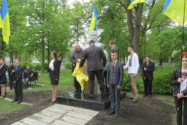 У Малині на Алеї Слави відкрито пам'ятник відважному солдату Другої світової війни, фото-2