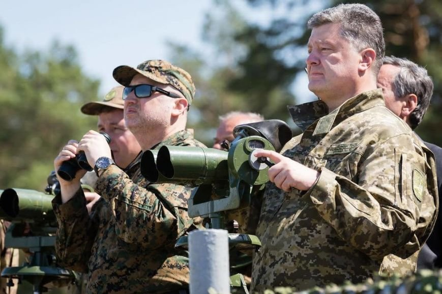 Порошенко и Турчинов наблюдали за стрельбами в Черниговской области, фото-5