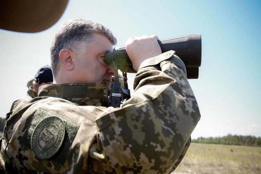 Порошенко и Турчинов наблюдали за стрельбами в Черниговской области, фото-1