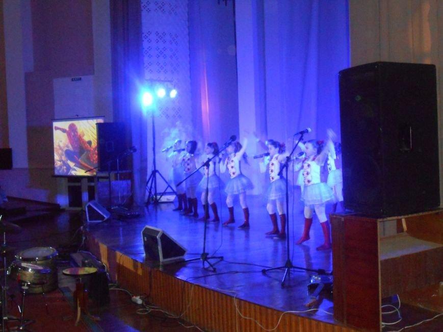 В Днепродзержинске состоялся гала-концерт детского творчества «Виват, талант!» (фото) - фото 2