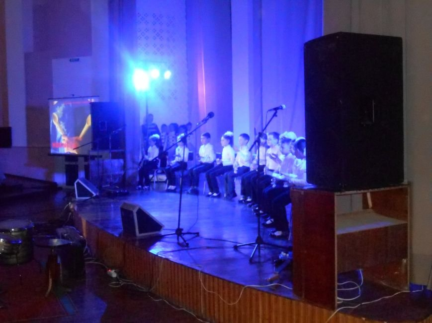 В Днепродзержинске состоялся гала-концерт детского творчества «Виват, талант!» (фото) - фото 1