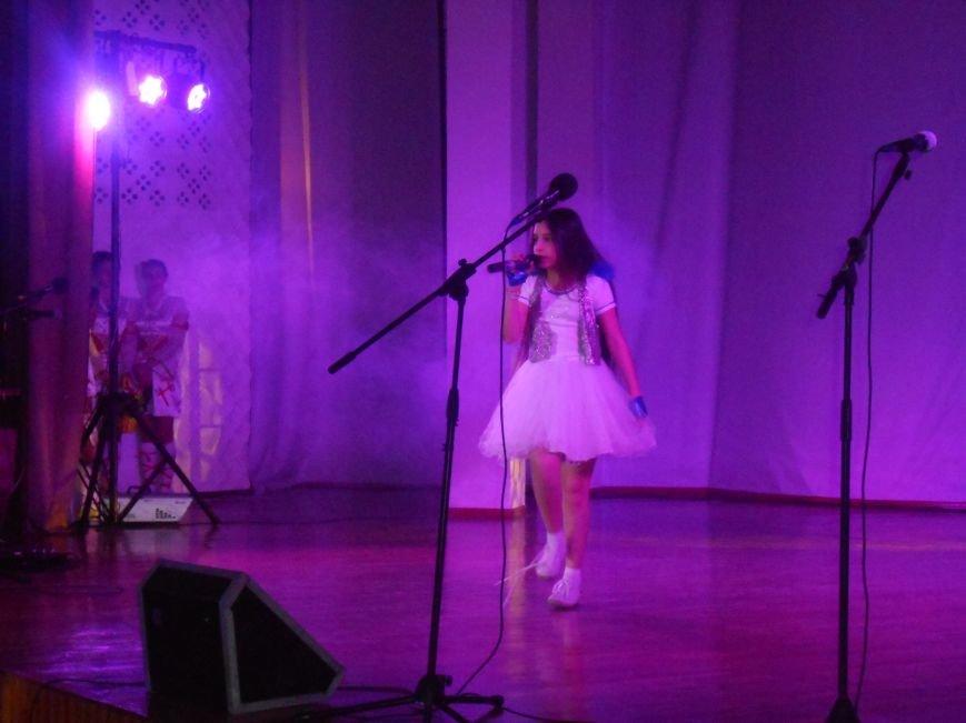 В Днепродзержинске состоялся гала-концерт детского творчества «Виват, талант!» (фото) - фото 7