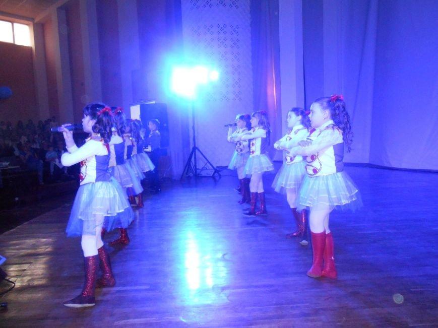 В Днепродзержинске состоялся гала-концерт детского творчества «Виват, талант!» (фото) - фото 3