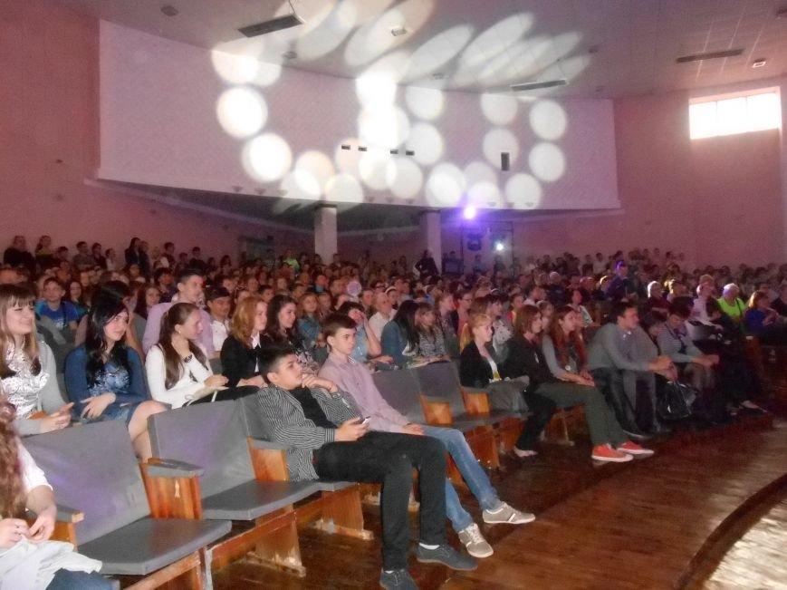 В Днепродзержинске состоялся гала-концерт детского творчества «Виват, талант!» (фото) - фото 4