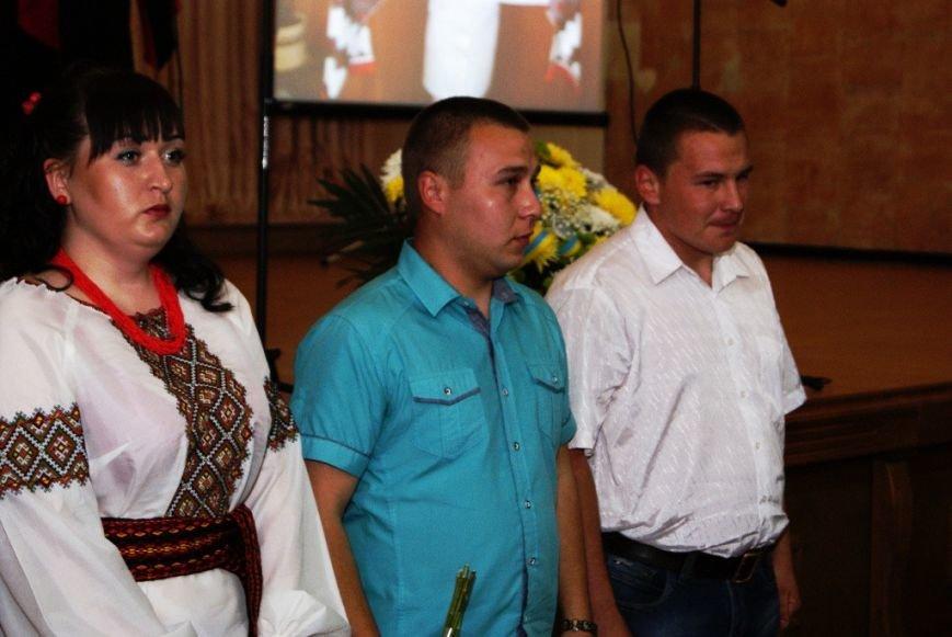 В Николаеве наградили медиков, вернувшихся из зоны проведения АТО (ФОТО) (фото) - фото 4