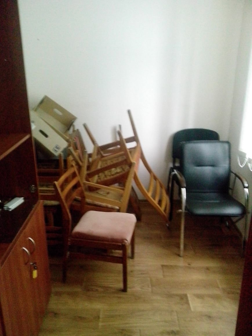 Активисты проверили работу общественной приемной краматорского нардепа (фото) - фото 1
