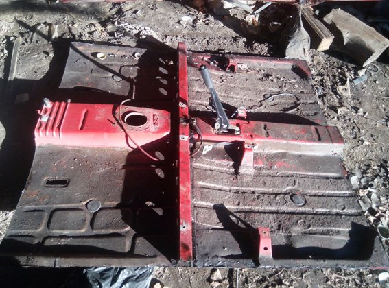 В Кировоградской области мужчина разобрал на запчасти чужой автомобиль (фото) - фото 1