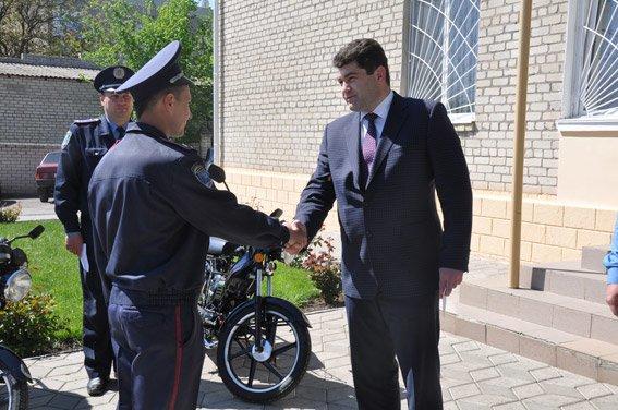 Участковые милиционеры Николаевщины будут патрулировать свои районы на мотороллерах (ФОТО) (фото) - фото 2