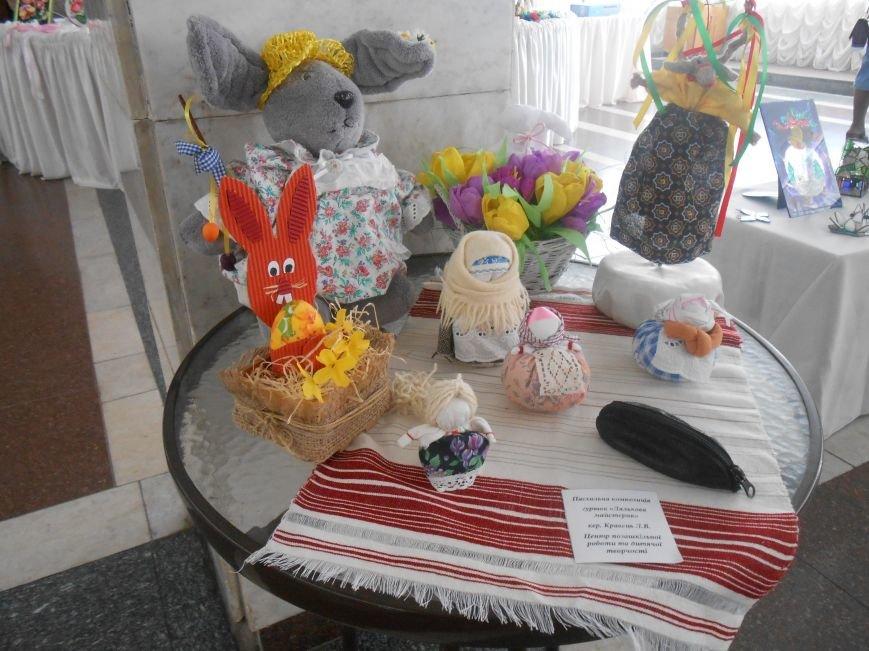 В Днепродзержинске состоялась выставка творческих работ «Виват, талант!» (фото) - фото 6